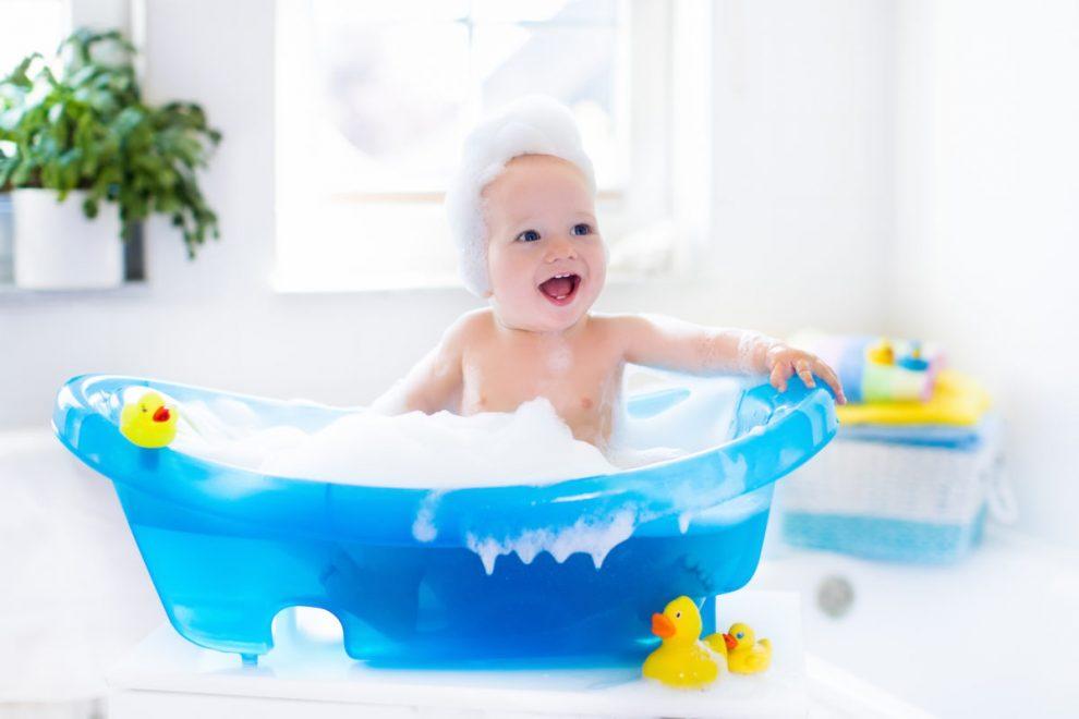 conseils-pour-bien-faire-la-toilette-de-bebe