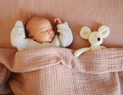 doudou-enfant-sommeil-bébé-lit